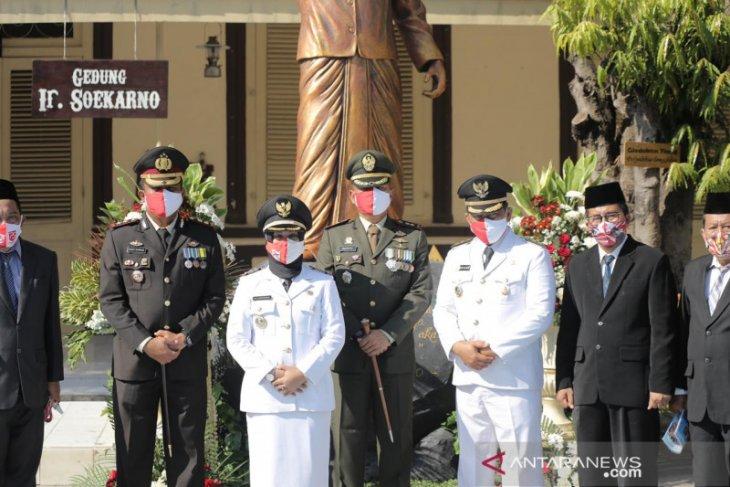 Kenang Sang Proklamator, Wali Kota Mojokerto Ning Ita peringati Hari Kemerdekaan di sekolah Soekarno kecil