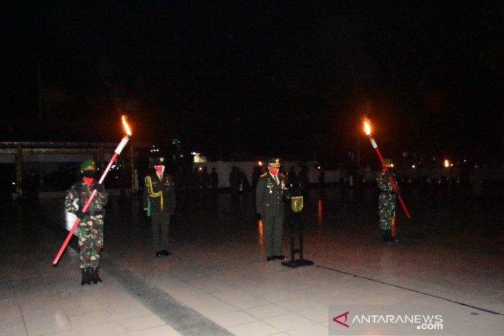 Pangdam VI/Mlw pimpin apel kehormatan dan renungan suci HUT Kemerdekaan RI