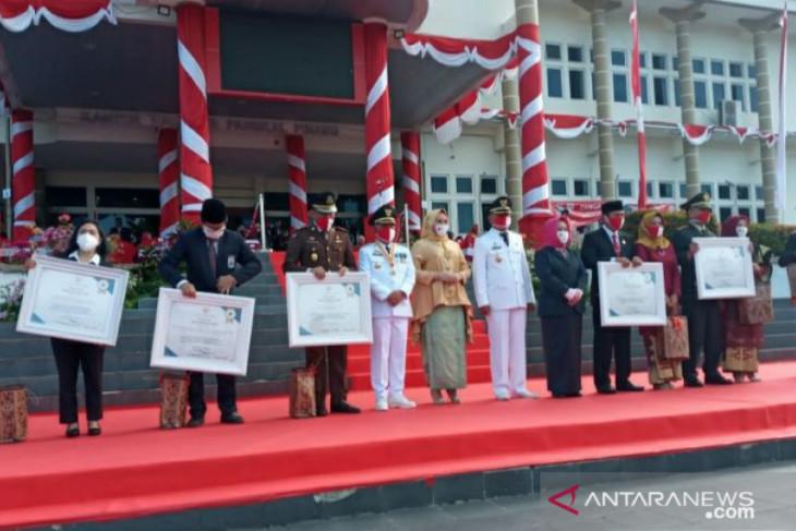 Peringati HUT ke-75 RI, Pemkot Pangkalpinang gelar upacara pengibaran Bendera Merah Putih