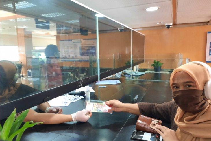 Warga Jambi antusias tukar uang peringatan kemerdekaan 75 tahun RI, beginilah caranya