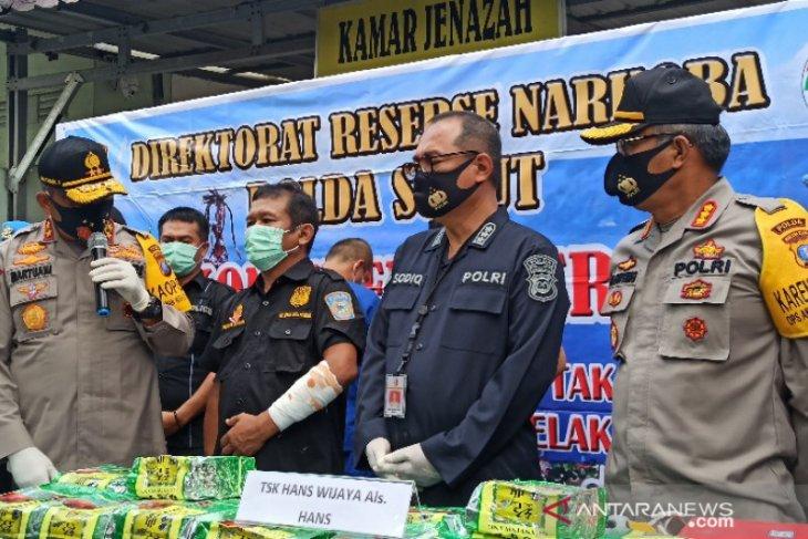 Drug dealer shot dead for assault on policeman in Medan
