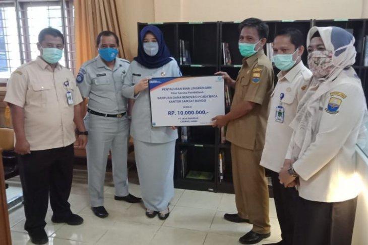 Jasa Raharja Jambi bantu renovasi pojok baca kantor Samsat Muarabungo