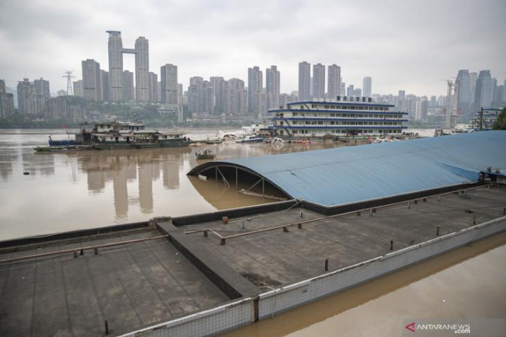 Korban tewas  di terowongan banjir di China bertambah jadi 13