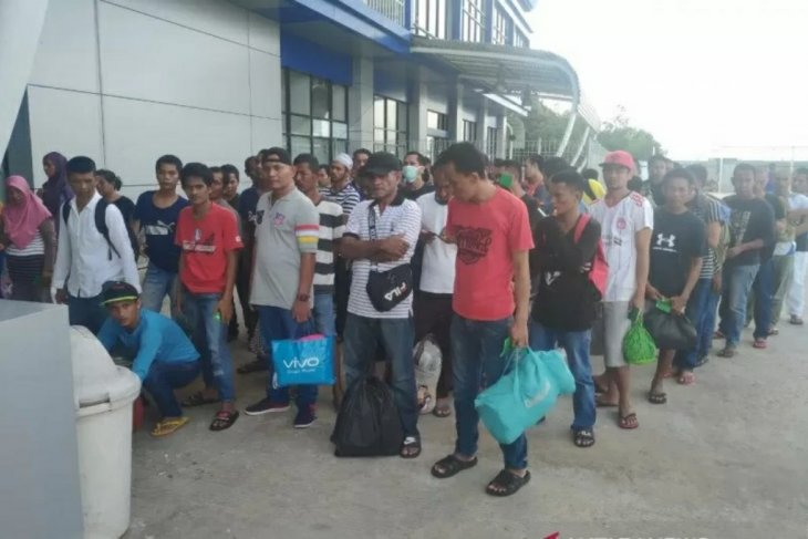 Many Indonesian migrant workers in Sabah ignoring children's education