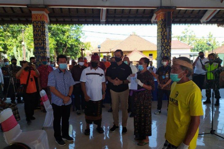 Mensos bagikan BST di Kusamba-Klungkung dan Padangbai-Karangasem