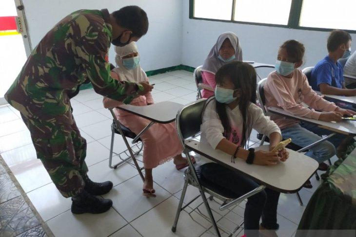 Kodim 0602/Serang programkan anak belajar secara virtual di Makoramil