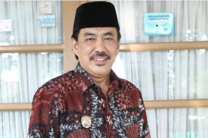 Acting head of  Sidoarjo district dies from suspected COVID-19