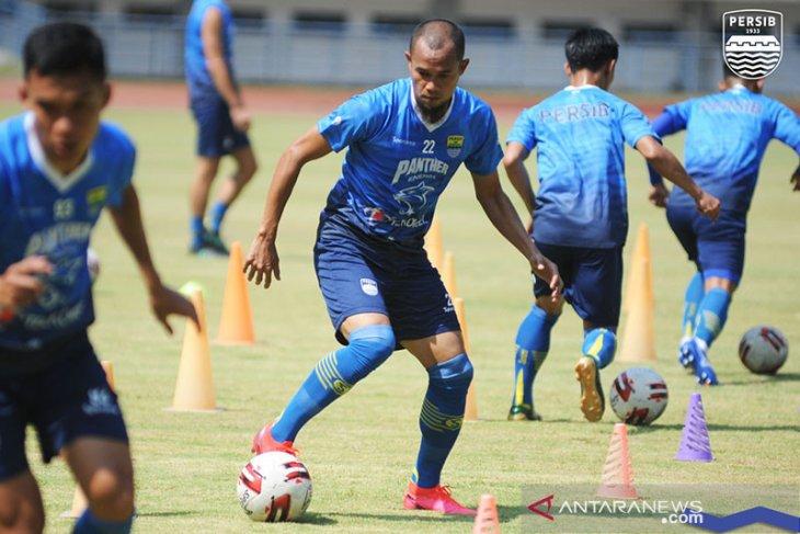 Akhirnya Persib Bandung liburkan pemain selama dua bulan