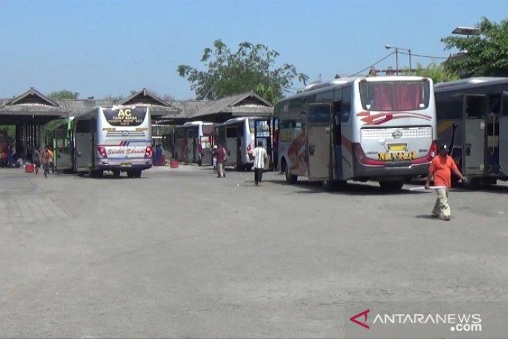Penumpang di terminal Madiun saat libur tahun baru Islam tercatat normal