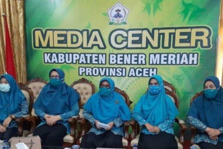 TP-PKK Bener Meriah bagikan 20.000 masker gratis
