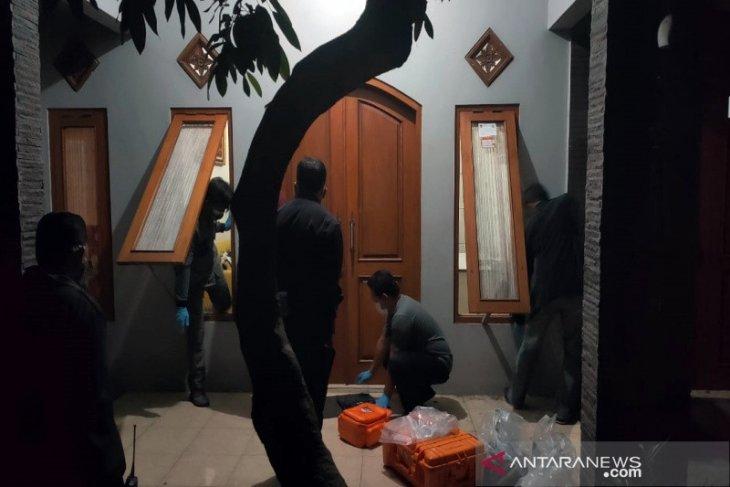 Satu keluarga di Jateng ditemukan tewas, diduga korban pembunuhan