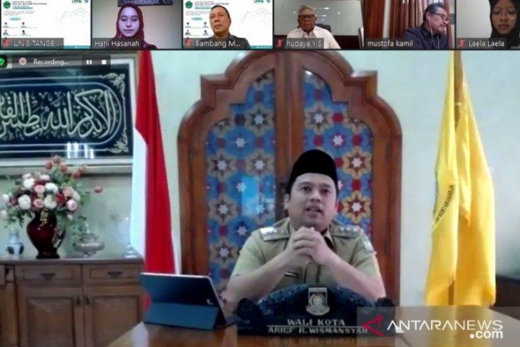 Ribuan Mahasiswa UNIS Tangerang laksanakan KKK dari rumah