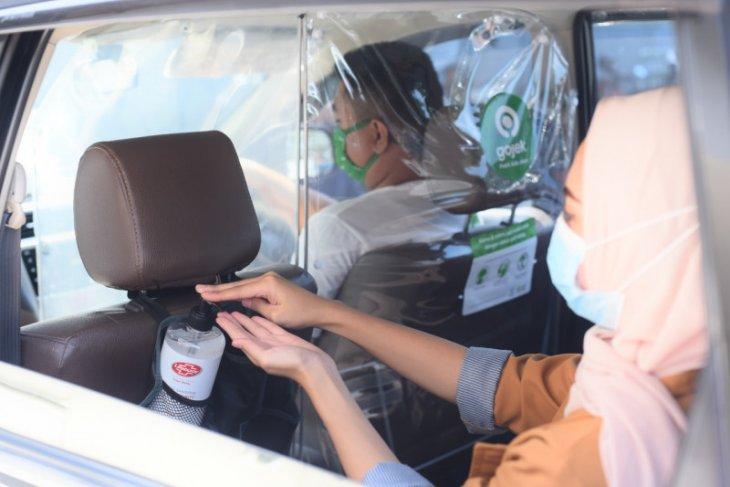 Gojek sedia hand sanitizer Lifebuoy di GoCar