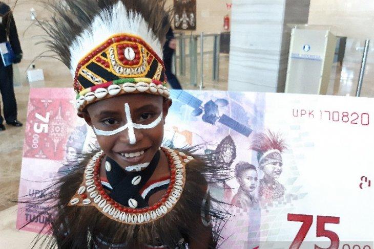 Agus Rumere,  bangga fotonya tampil di pecahan uang baru Rp75 ribu