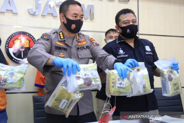 East Java police seize 8.4 kg crystal meth smuggled from Malaysia