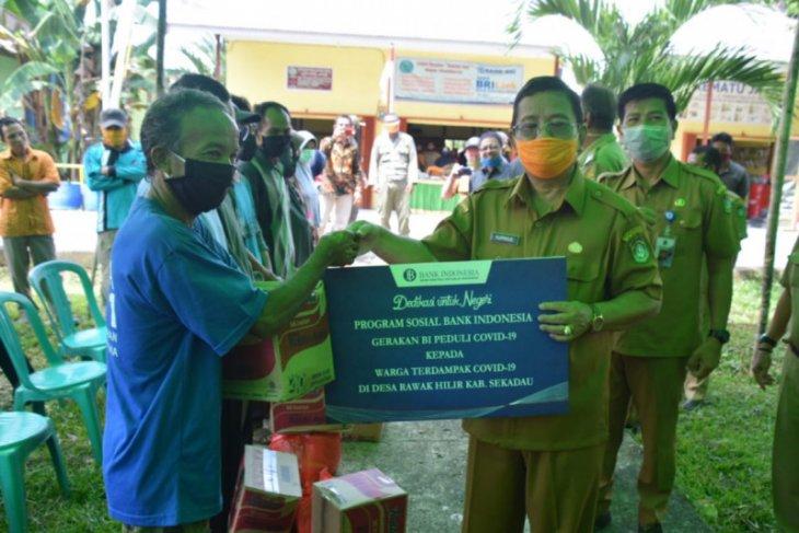Bank Indonesia salurkan bantuan sembako di Sekadau