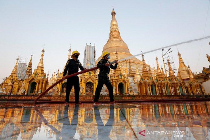 Myanmar tutup ibu kota di tengah gelombang virus, Suu Kyi peringatkan