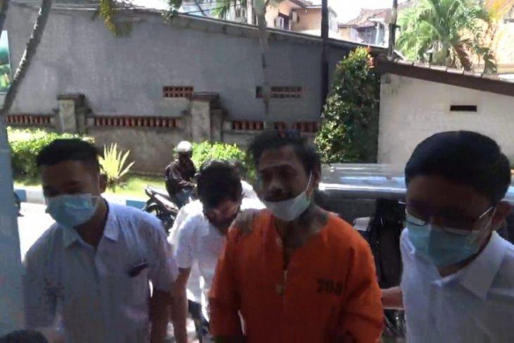 Kejati Bali terima pelimpahan tersangka Jerinx Drumer SID dari Polda Bali