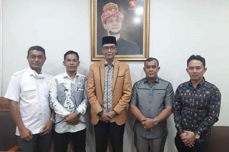 Serius bantu lahan bagi Eks Kombatan GAM, Bupati Aceh Jaya langsung temui Anggota DPR RI dan Menteri