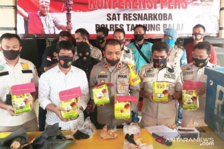 Satres Narkoba Polres Tanjungbalai ringkus kurir 6.000 gram sabu