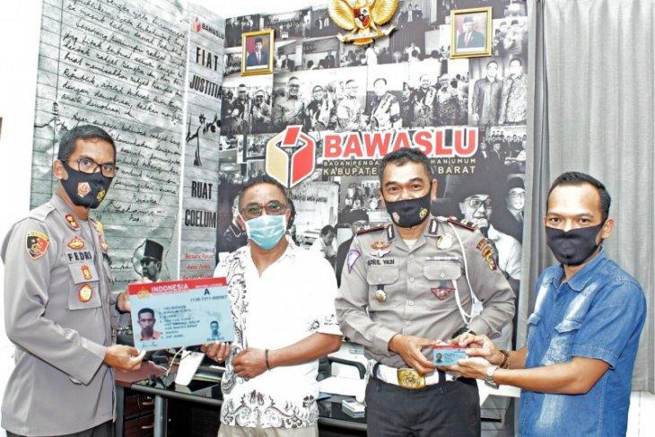 Polres Bangka Barat fasilitasi pembuatan SIM pengawas Pilkada 2020
