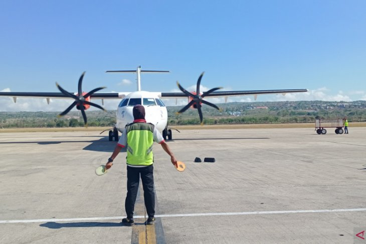 Angin kencang mengakibatkan pesawat Lion Air batal mendarat di Kupang