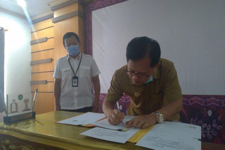 Kementerian PUPR serahkan aset milik negara  Ke Pemkab Tapin
