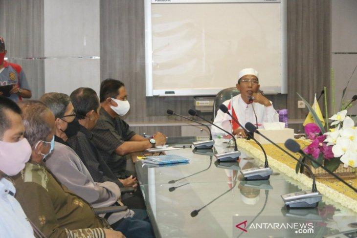 Wawali pimpin rapat bahas status pemilik lahan pasar Ujung Murung