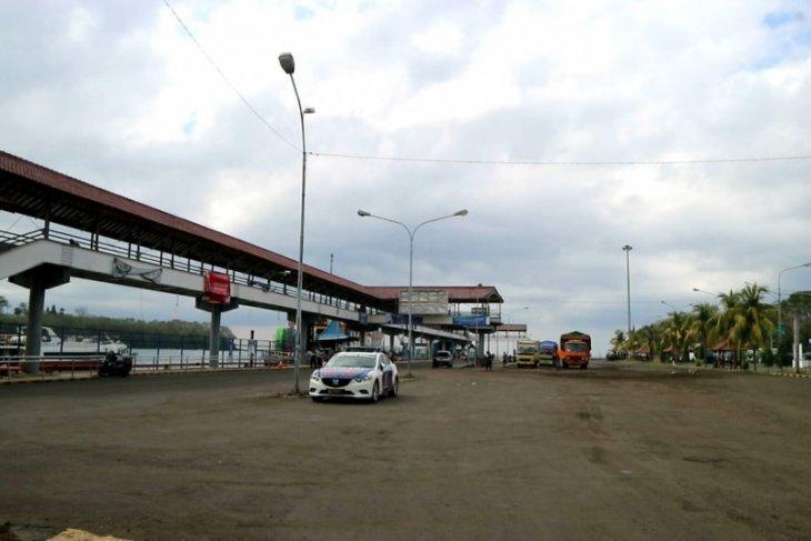 Penyeberangan Padangbai-Lembar masih landai