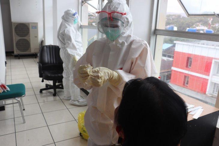 Sembuh COVID-19 di Indonesia tambah 4.510 jadi 214.947 orang