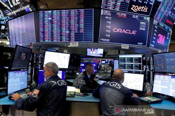 Wall Street tumbang, setelah aks jual saham teknologi