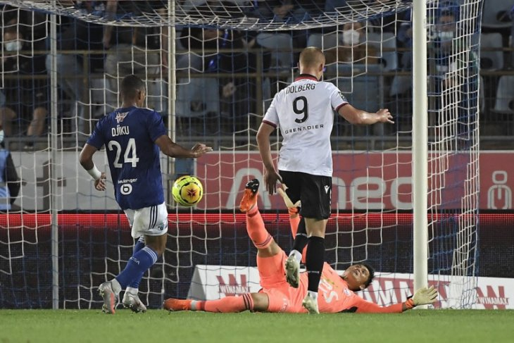 Tiga pemain Nice dikabarkan positif COVID-19 menjelang laga kontra PSG
