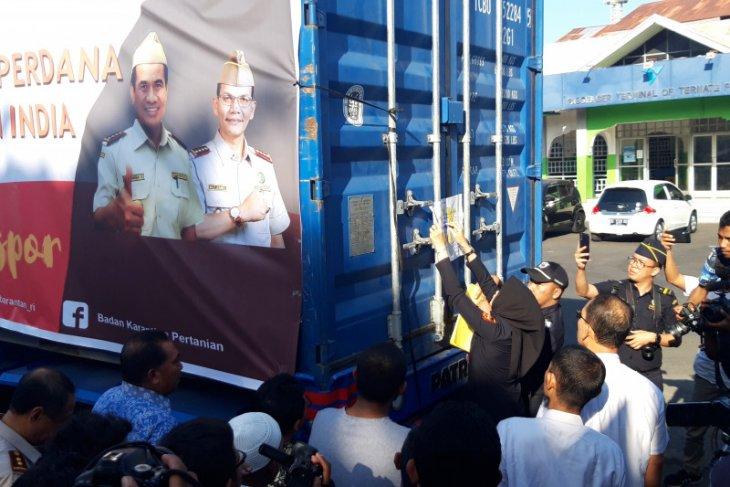 Manajemen PT NHM beli produksi komoditi masyarakat desa lingkar tambang