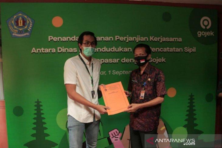 Disdukcapil Denpasar gunakan Gojek ambil berkas Adminduk