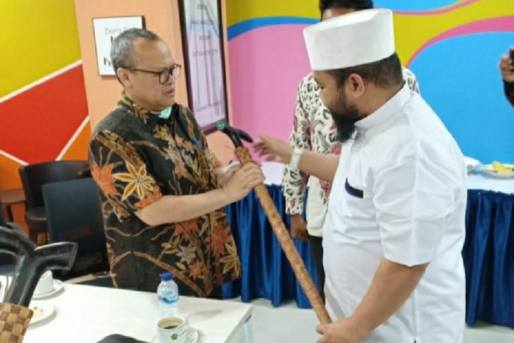 Sudah dinyatakan positif COVID-19, Wali Kota Bengkulu kunjungi Kementerian  ESDM