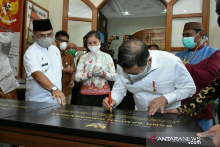 Menteri Suharso resmikan Galeri Budaya Cinta Alam/Bumi dan Bank Sampah Belitung