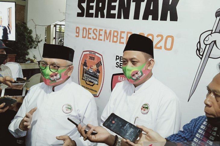 Haris-Ilham berangkat dari Mesjid Sultan Suriansyah daftar ke KPU