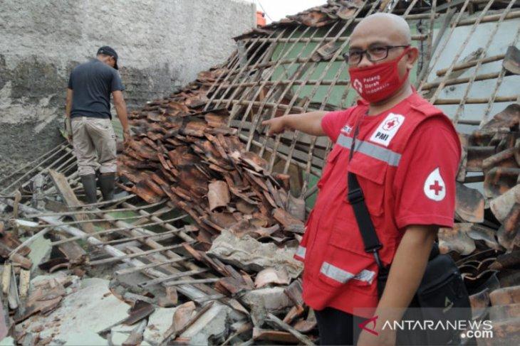 Sukabumi diguncang gempa magnitudo 3,2 sebabkan satu rumah ambruk