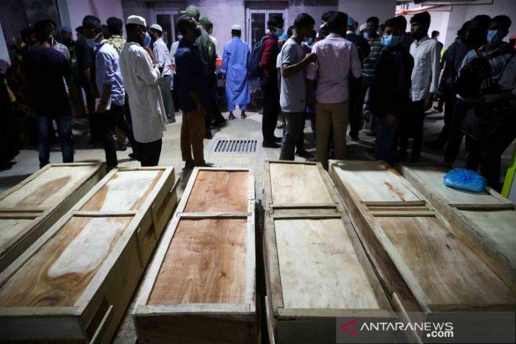 Ledakan di masjid tewaskan 20 orang 17 kritis