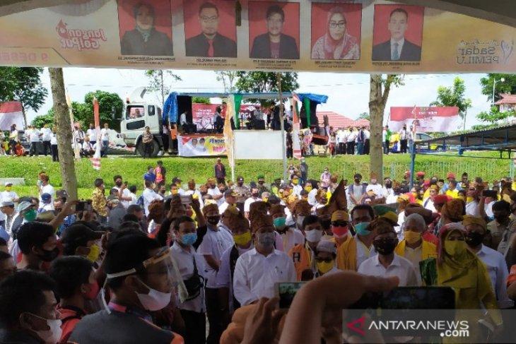 KPU Simalungun terima berkas pendaftaran dua bapaslon Bupati dan Wakil Bupati