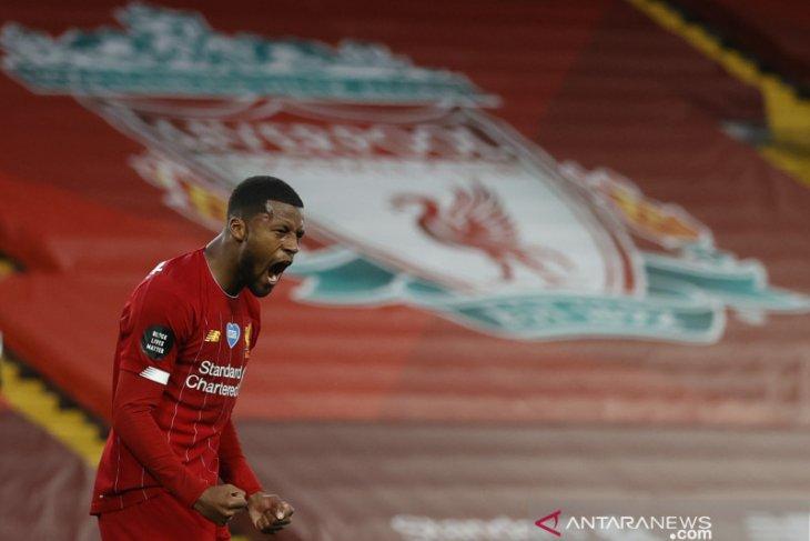 Liverpool menawarkan gelandang Georginio Wijnaldum ke Barca