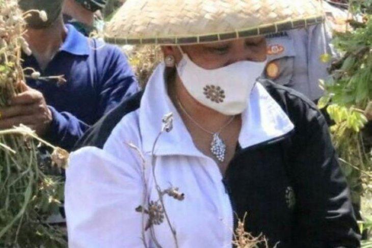 Ketua PKK Bali ajak kembali ke alam di tengah pandemi COVID-19