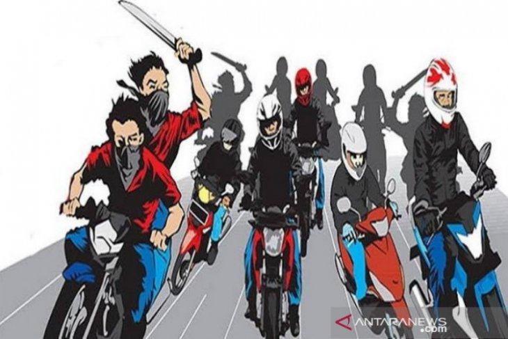 Polisi tangkap anggota geng motor 'Simple Life' yang bentrok di Medan