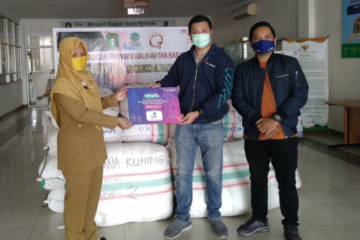 XL Axiata Salurkan APD ke Rumah Sakit di Serang dan Pontianak