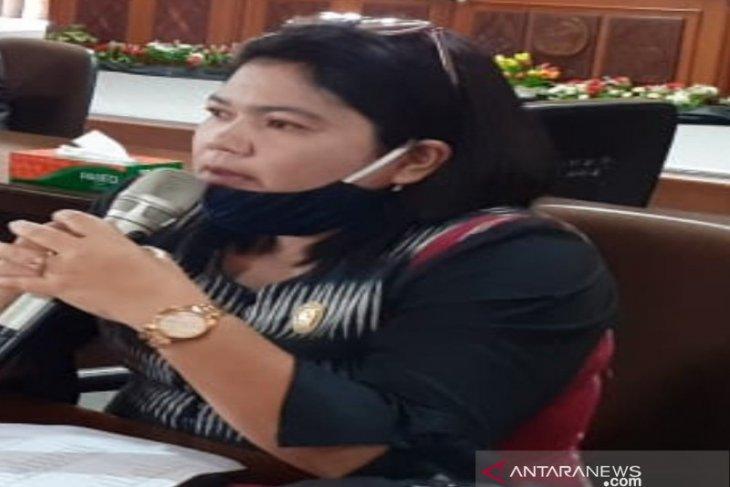 Komisi B DPRD Taput gelar RDP pupuk langka, Luciana : Distributor bohongi publik