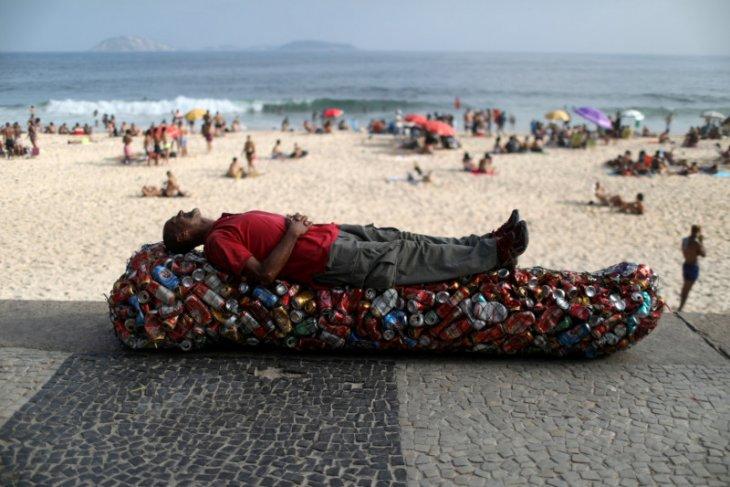 Jumlah kematian corona di Amerika Latin lampaui  300.000