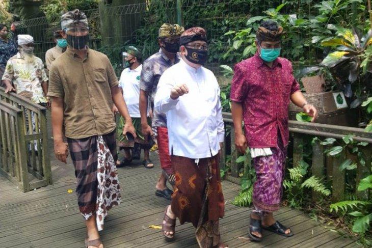 Stafsus Presiden lihat Rumah Kompos di Padangtegal, Ubud