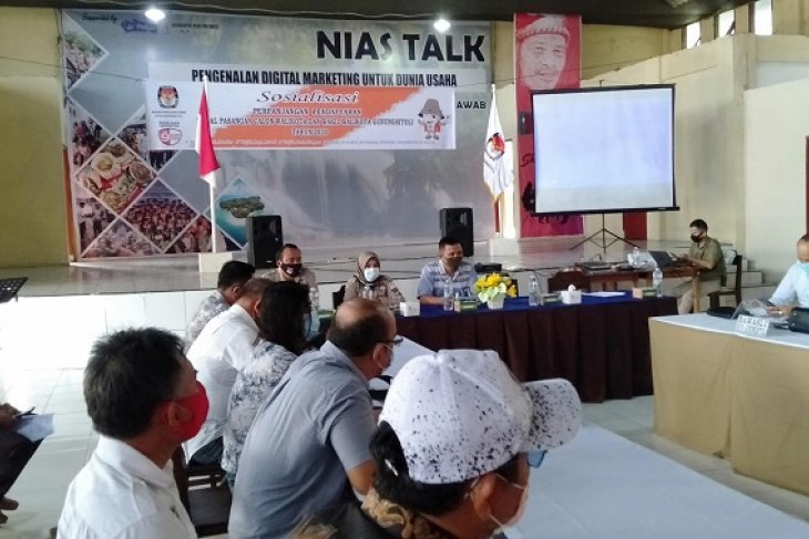 KPU Gunungsitoli perpanjang masa pendaftaran calon kepala  daerah