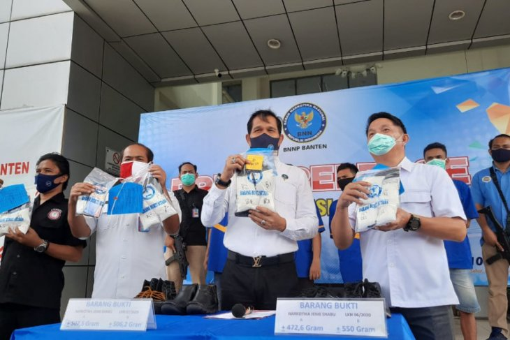 BNN Banten tangkap empat kurir penyelundup sabu