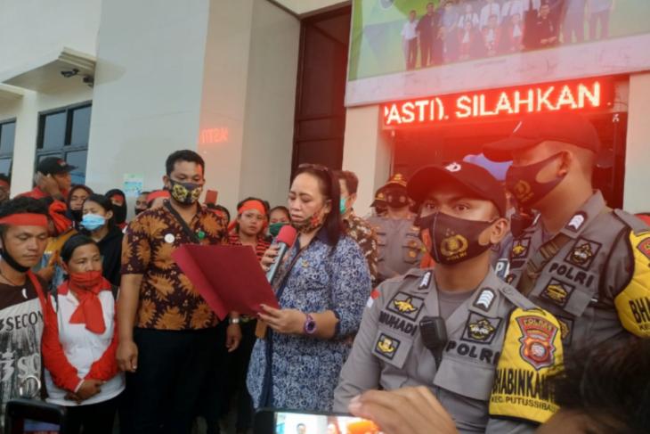 Aksi demo, tiga warga Sibau Hilir dikeluarkan dari Rutan Putussibau